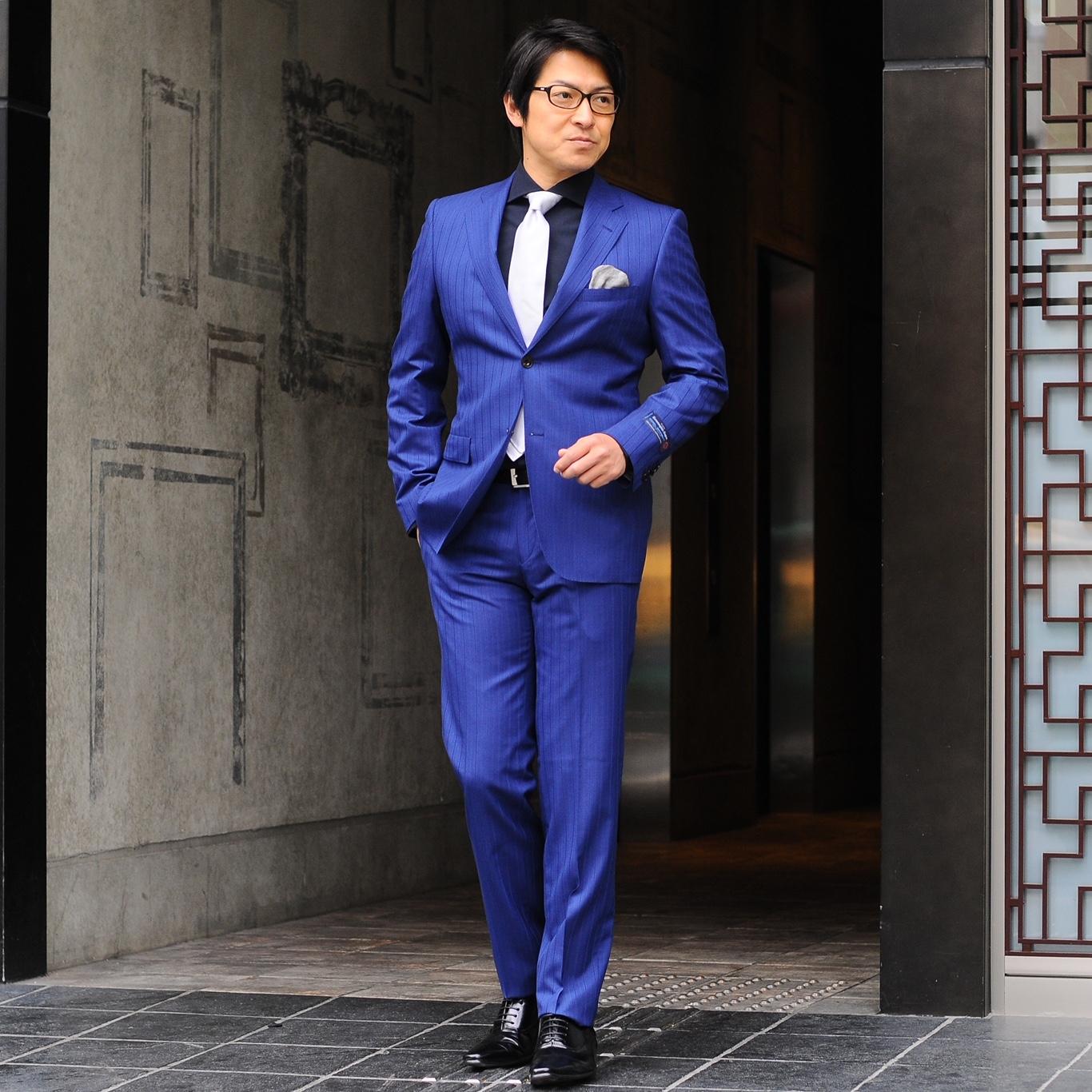 大人の色気全開スーツ