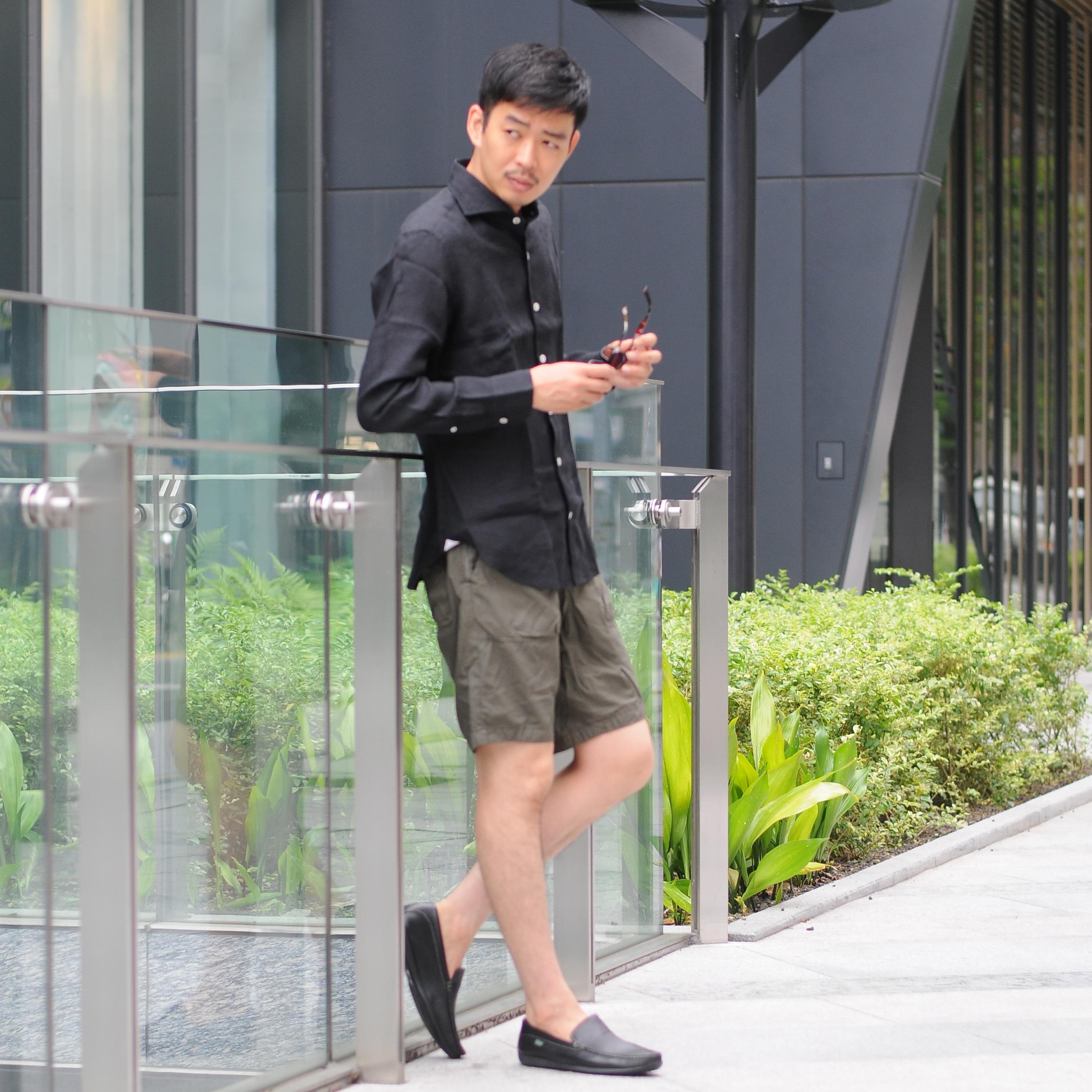 黒×カーキでワイルドで男らしい着こなし