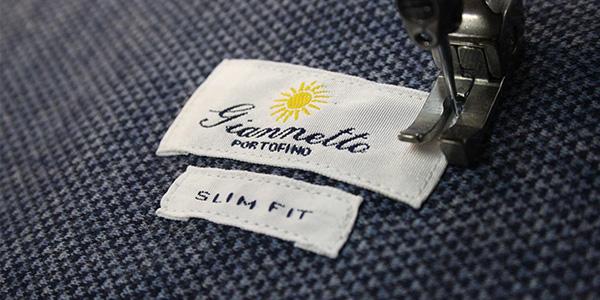 製造中のシャツ