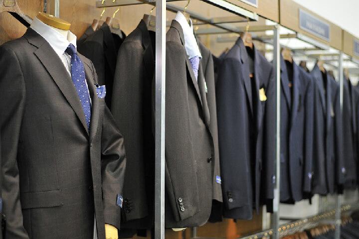 スーツを着る瞬間を1から全てサポートいたします!